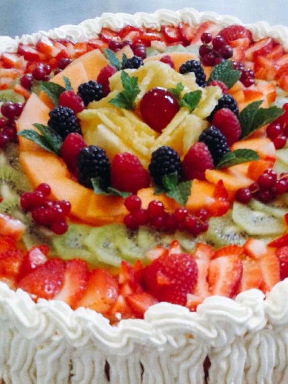 Briciole-Golose-Bologna-torta alla frutta con panna