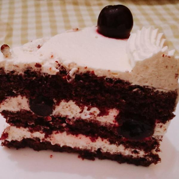 Briciole-Golose-Bologna-torta-foresta-nera